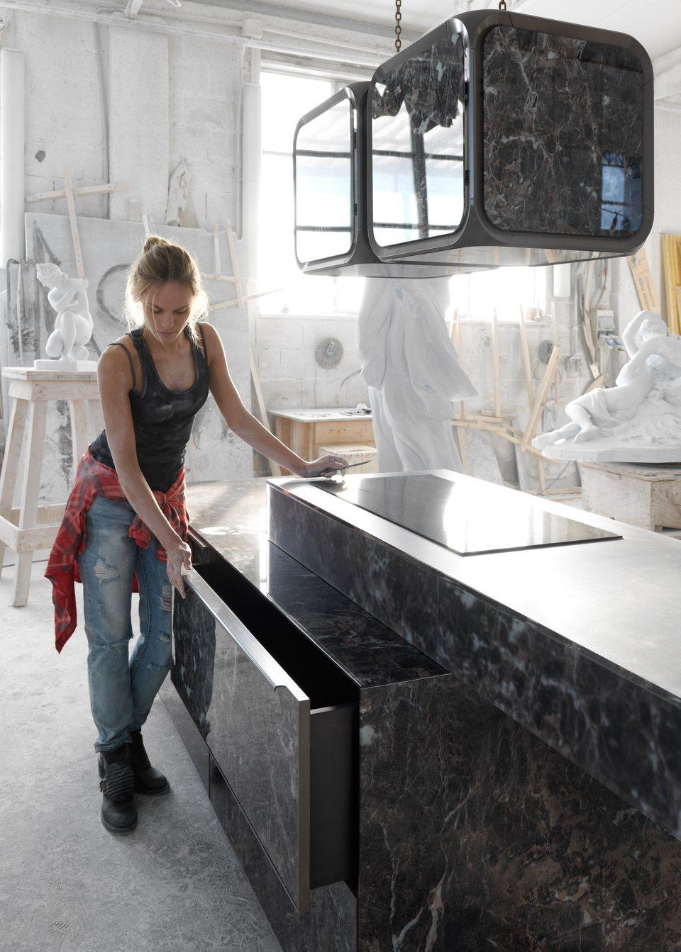 PURA-Kitchen-Hood-Adriano-Design-CINEX-FABITA-IFA3
